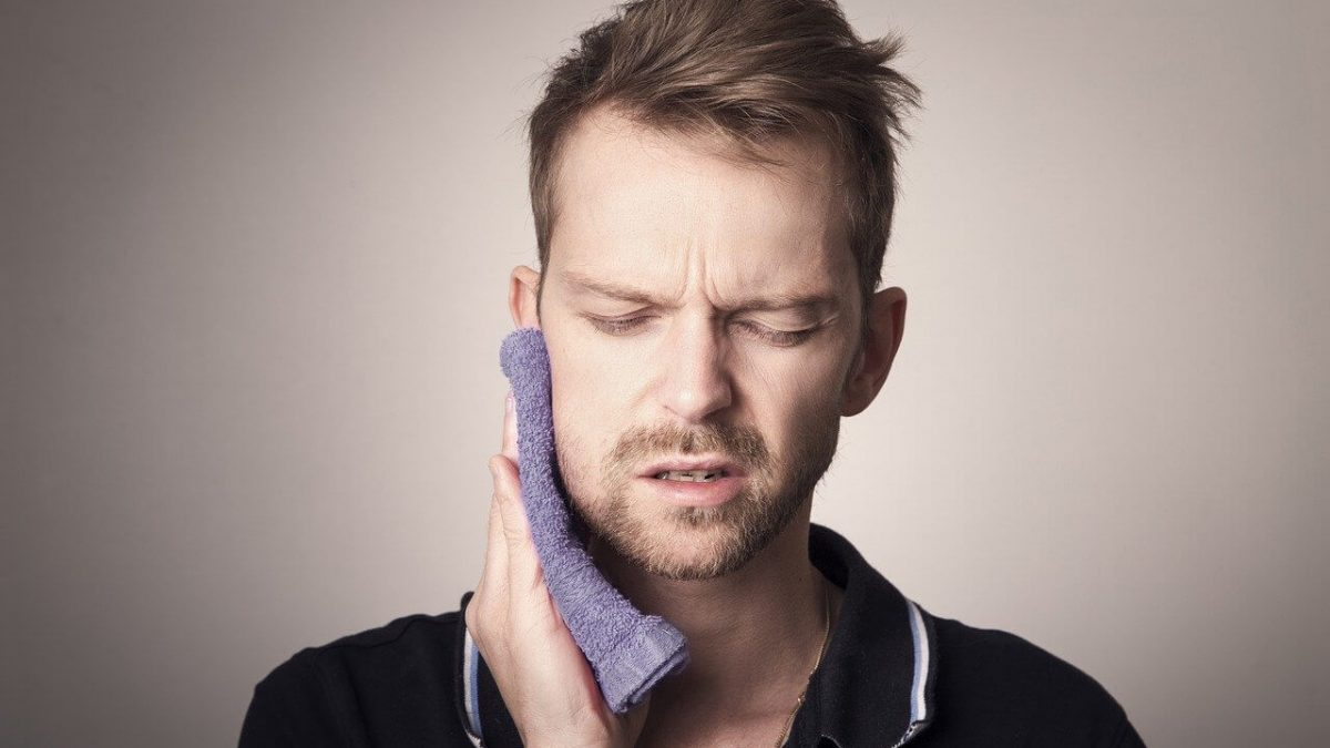 Signs that indicate your Wisdom Teeth are erupting!